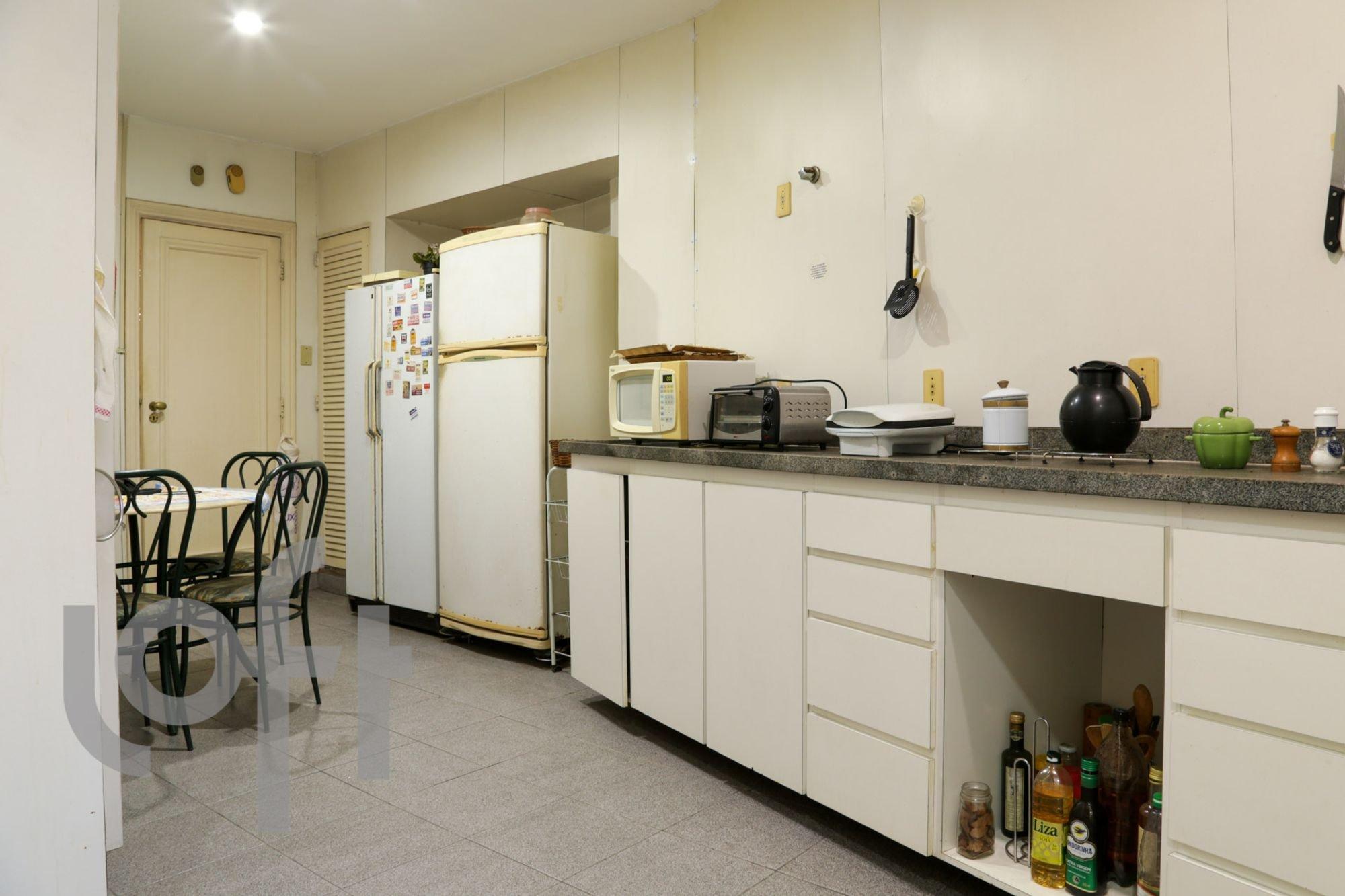 desktop_kitchen14.jpg